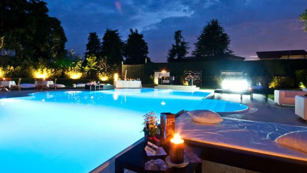 Rinviato al 1 maggio il party gelsi village a bordo piscina con musica e buffet eventi a vicenza - Piscina arzignano ...