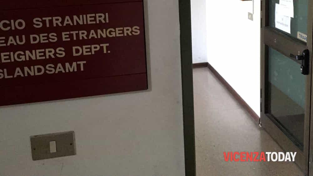 Ufficio Per Stranieri Vicenza : Front office via torino turetta cub vicenza inadeguato