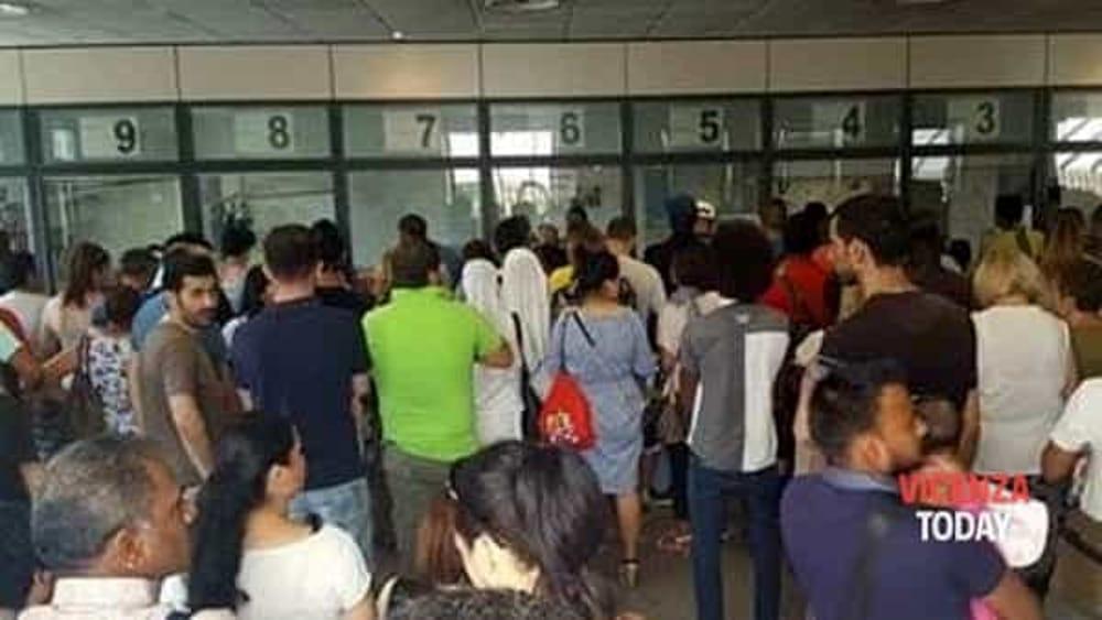 Code allUfficio immigrazione e post razzisti: Voi italiani non ...