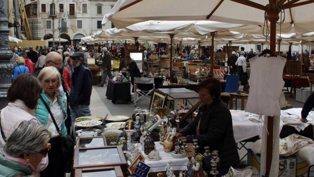 Vicenza i mercatini e gli appuntamenti in centro storico for Mercatino antiquariato vicenza